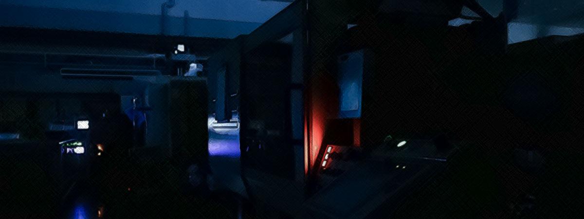 夜間無人化工場